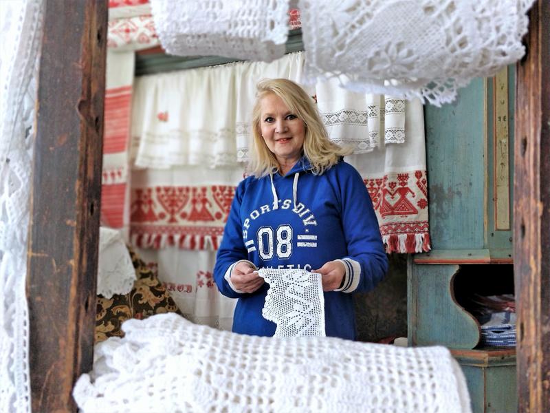 Eija Porkola palaa antiikkikauppiaaksi Pietarsaaren liikkeen myötä. Lisäksi hän häärii tuttuun tapaan tonttumuorina Luodon Västerbyssä sijaitsevassa Tyynelän tonttulassa.