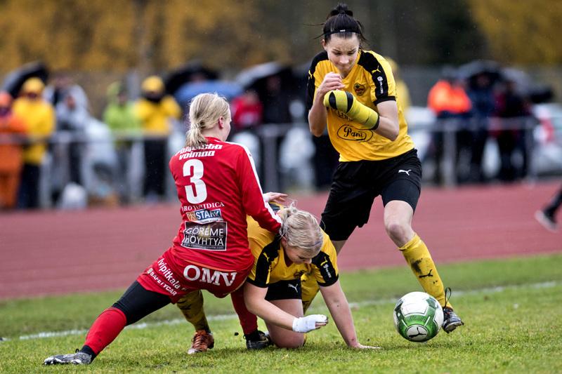 Kauden 2017 ratkaisupeleissä Tanja Ali-Marttilan kädessä ollut keltamusta kipsi on jäänyt monelle mieleen.