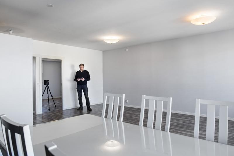 Kokkolalainen yrittäjä Tomi Hirvinen on tehnyt asunnoista kolmiulotteisia virtuaaliesittelyitä reippaan vuoden ajan.