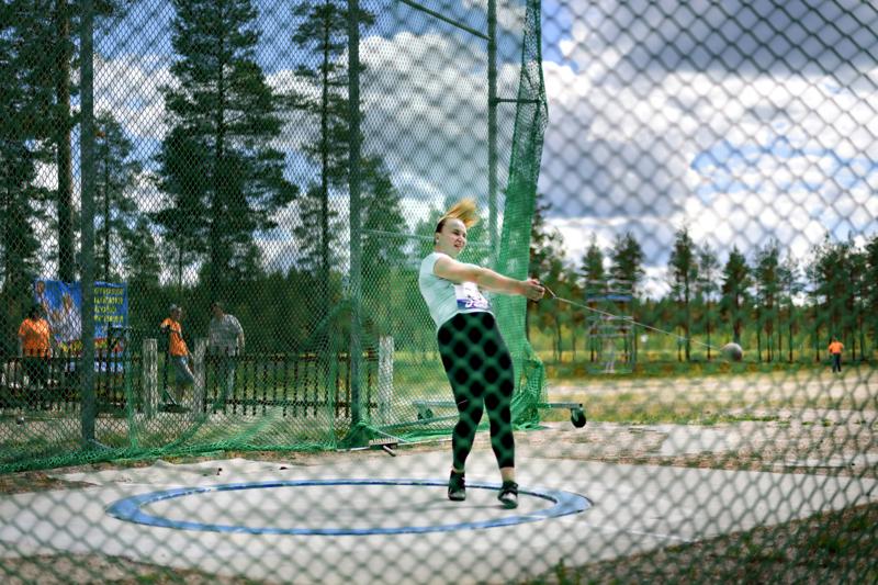 Suomen moukarinheiton parhaimmistoa toivotaan Kaustiselle noin kuukaudella tavanomaisesta ajankohdasta siirtyvään kilpailuun.