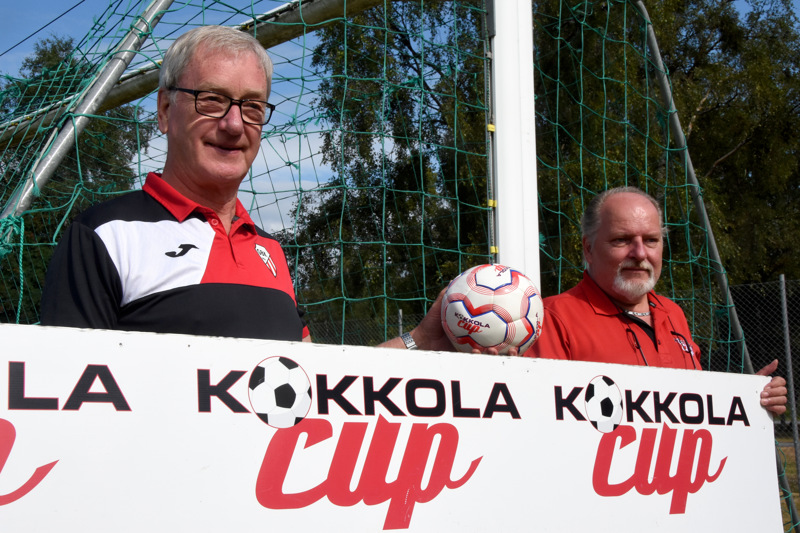 GBK:n puheenjohtaja Hans-Erik Sund ja Stefan Thylin Kokkola Cup -infossa vuonna 2018.