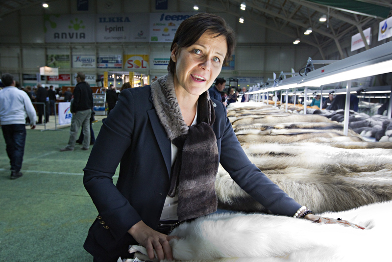 FIFURin toiminnanjohtaja Marja Tiura kertoi viikon turkistarhaiskun uutisessa, että alalla luultiin jo tämän tyyppisten iskujen jääneen historiaan.