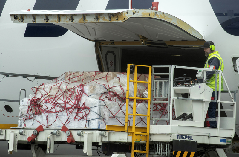 Kiinasta saapui hengityssuojaimia HVK:n varastoihin 15. huhtikuuta.