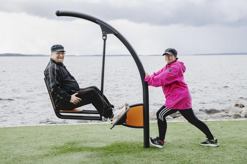 Heikki ja Kaisa Hakala innostuivat juoksuharjoituksista lehdessä olleen ohjelman avulla. Tähtäimessä ei ole saada juoksemisesta uutta harrastusta, vaan ylläpitää sen avulla omaa hyvinvointia, niin että kaikki muu harrastaminen onnistuisi.