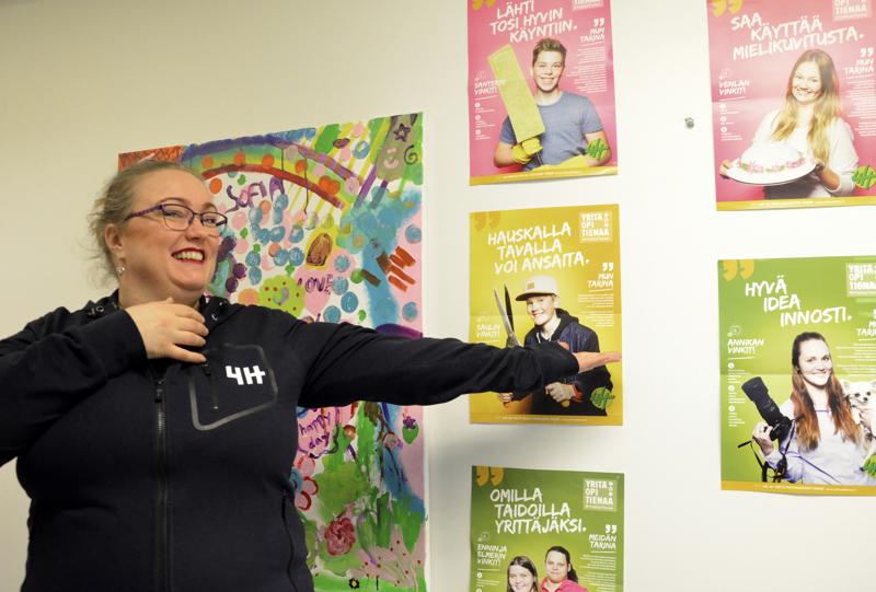Ylivieskan 4H-yhdistyksen toiminnanjohtaja Maarit Rauhala jännää, montako 4H-yritystä versoo suosituiksi osoittautuneilta yrityskursseilta.