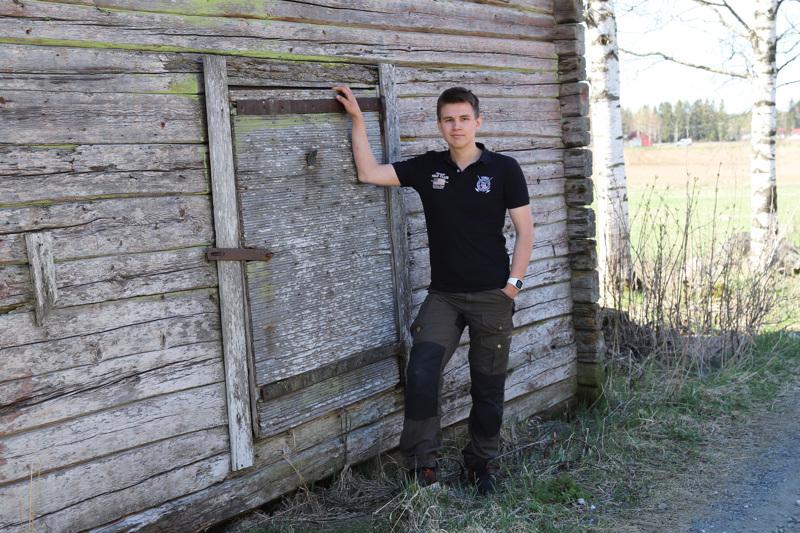 Poikkeustila on vaikuttanut kaikkiin ja maatalousyrittäjäksi valmistunut Viljami Rauhala uskoo sen korostavan huoltovarmuuden merkitystä. Meillä pitää olla oma maataloustuotanto, joka tuottaa elintarvikkeita suomalaisille kaikissa olosuhteissa, Rauhala sanoo.