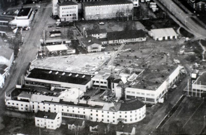 Kallentorin rakentaminen muutti 90-luvun kokkolalaista kaupunkimaisemaa.