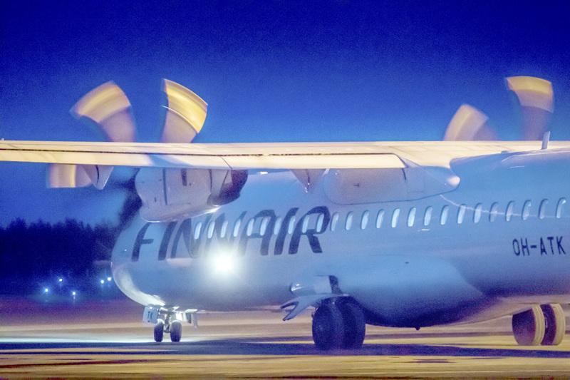 Ainakin tällä erää viimeinen Finnairin lentokone nousi Kruunupyyn kentältä 18. maaliskuuta.