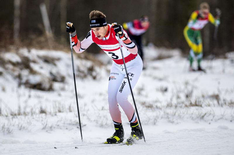 Nivalassa Keski-Pohjanmaan maakuntaviestissä Pietarsaaren ykkösjoukkueessa hiihtäneen Viktor Mäenpään seura on jatkossa nimeltään Team Nordic Athlete.
