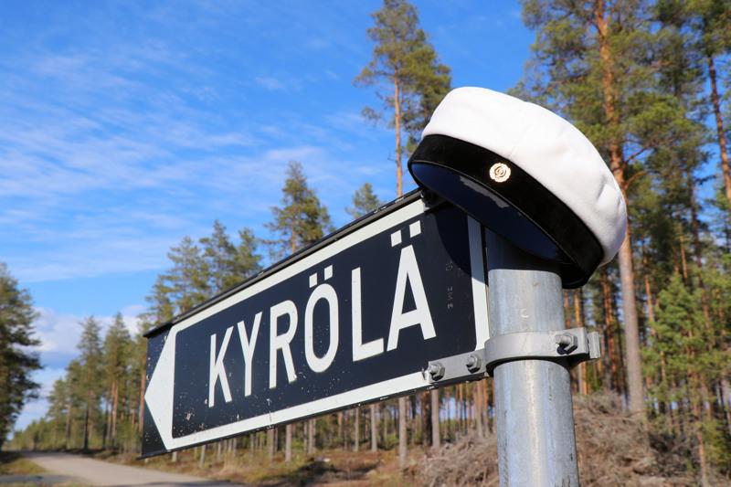 Salon Lakkitehdas on perustettu aikoinaan Kaustisen Kyrölässä.