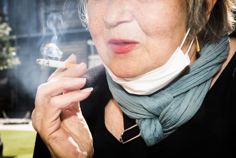 Asiantuntijat pitävät savuttoman ja nikotiinittoman Suomen saavuttamista mahdollisena, mutta tekemistä riittää vielä. Tarvelistalla on sekä lakimuutoksia että tukea vieroitukseen.