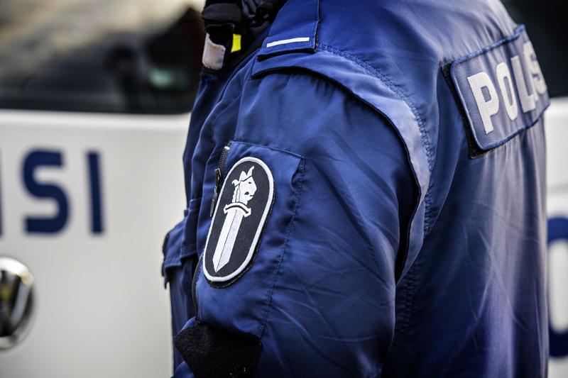 Koulujen päättyminen työllisti Pohjanmaan poliisia lauantai-iltana ja sunnuntaiyönä.