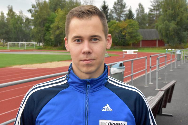 Kälviän Tarmon Jarmo Marttila uskoo 80-metrin ylittymiseen, kunhan olkapää ei mennyt pahemmin rikki kauden avauskisassa.