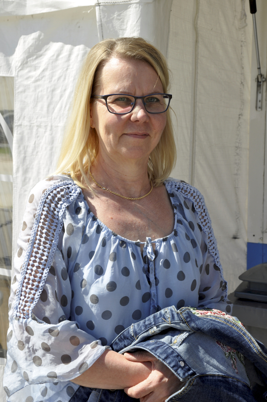 Maija Hjelmeroos, Toholampi- Kyllä.