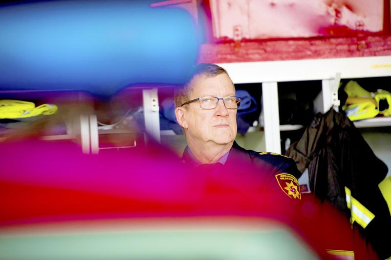 Ylivieskan kaupungin lomautukset eivät koske pelastuslaitoksen henkilöstöä, mutta johtoryhmän jäsenenä pelastusjohtaja Jarmo Haapanen lomautetaan kahdeksi viikoksi.