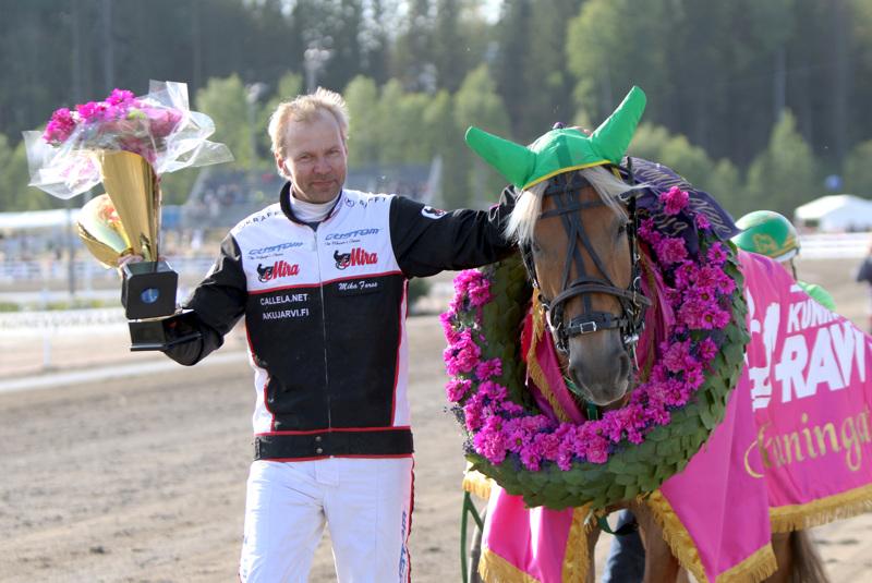 Vieskerin Virva ja Mika Forss olivat viime vuonna voittoisia mm. pariin kertaan Ylivieskassa.