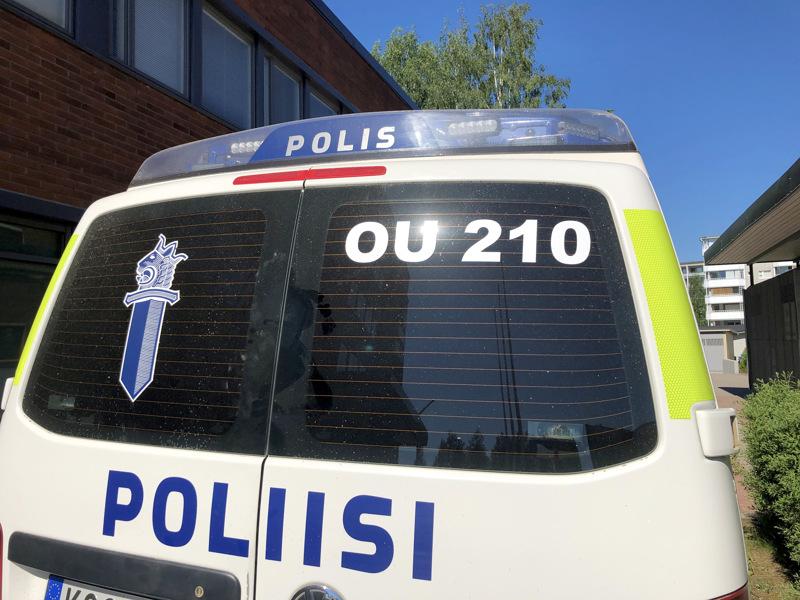 Juhannuksena Pohjanmaan poliisi kirjasi yhteensä 452 hälytystehtävää.
