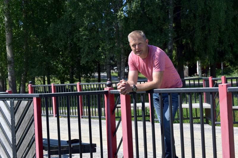 Daniel Wikström oli rakentamassa kanaalisiltaa vuonna 2004.