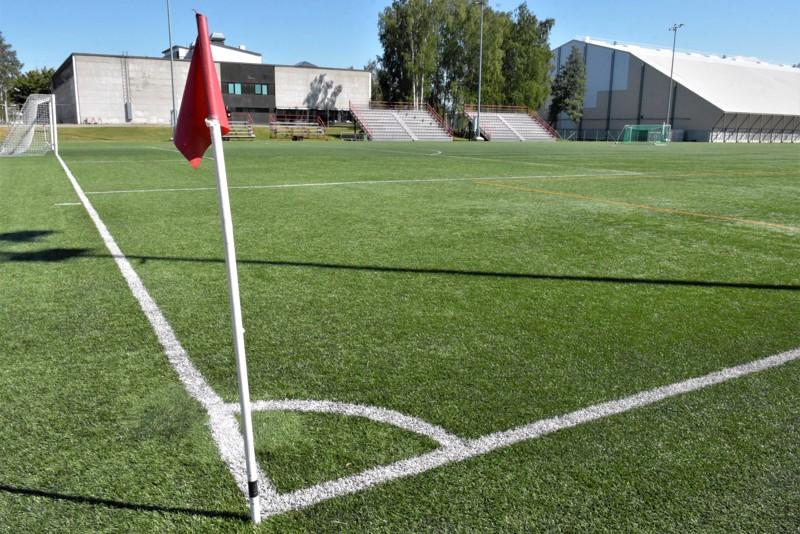 Mikäli pietarsaarelaisseurojen ja kaupungin aikeet toteutuvat, parin vuoden kuluttua tällä tontilla Länsikentällä on uusi 3000 hengen jalkapallostadion.