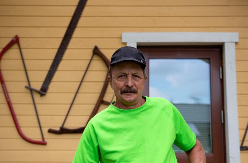 Uuno Saaranen kertoo ottaneensa aurinkoa töitä tehdessään kesän ensihelteistä lähtien.