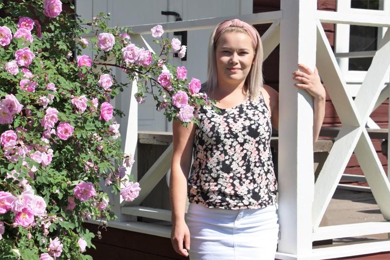 Hankeohjaaja Nina Isoherranen kokee, että nuorille suunnatun hankkeen onnistumiseen tarvitaan molemminpuolista luottamusta.