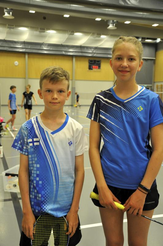 Niklas Hukari ja Elsa Salonen ovat harrastaneet sulkapalloa viisi vuotta.
