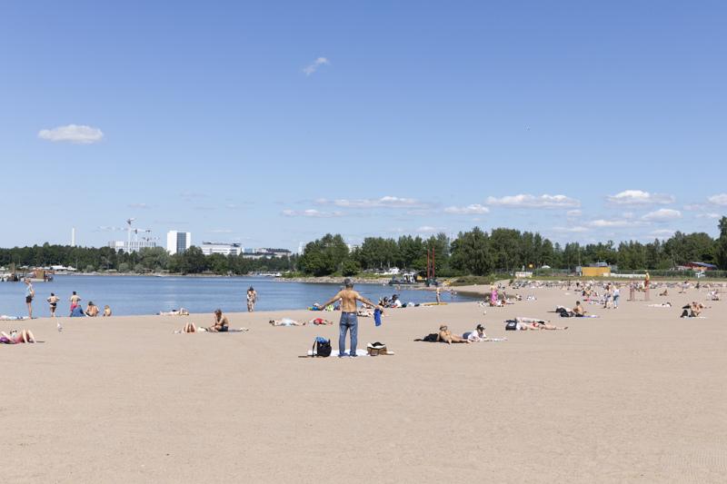 Hietaniemen uimarannalla on hukkunut kesäkuussa jo kolme henkilöä. Hietaniemen ranta on yksi Helsingin tunnetuimpia ja suurimpia uimarantoja.