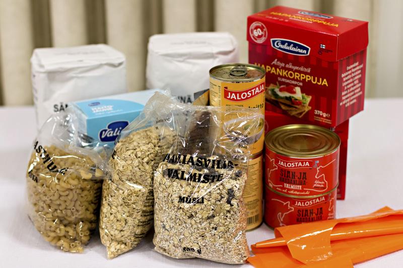 EU-ruokapakettiin kuuluu lähinnä kuivaelintarvikkeita ja säilykkeitä.