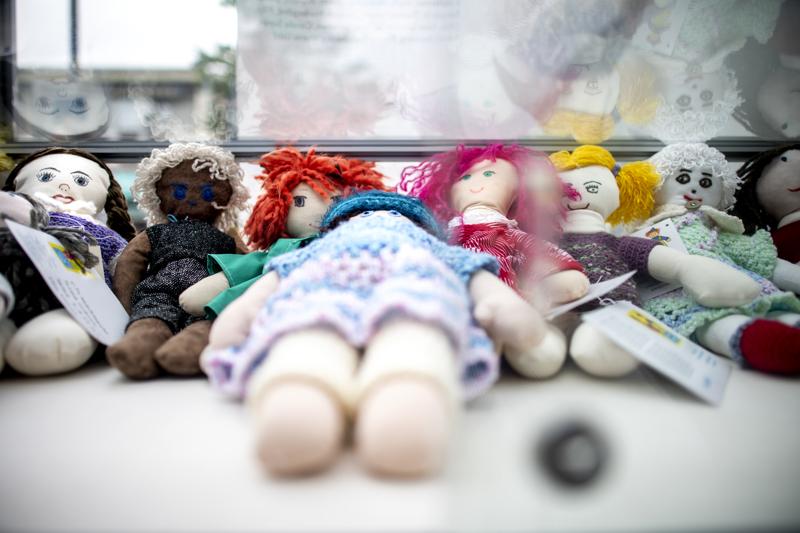 Jokainen tekijä on saanut itse päättää, millainen nukesta tulee. Jokainen valmistunut nukke onkin ihan ainutlaatuinen.