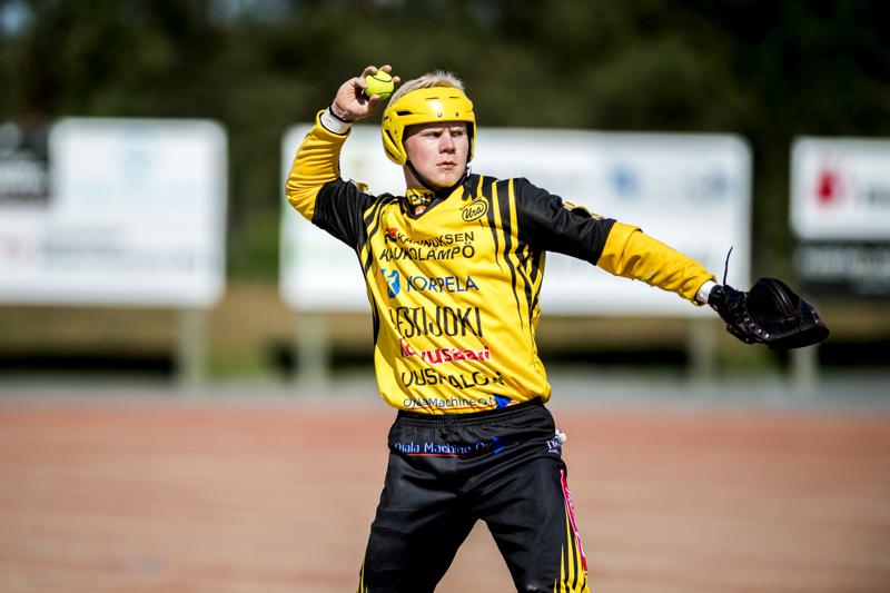 Tuukka Sarkkisen läpilyönti kakkosluukusta oli ottelun parhaimpia suorituksia, kun Kannuksen Ura avasi voittotilinsä ykköspesiksessä.