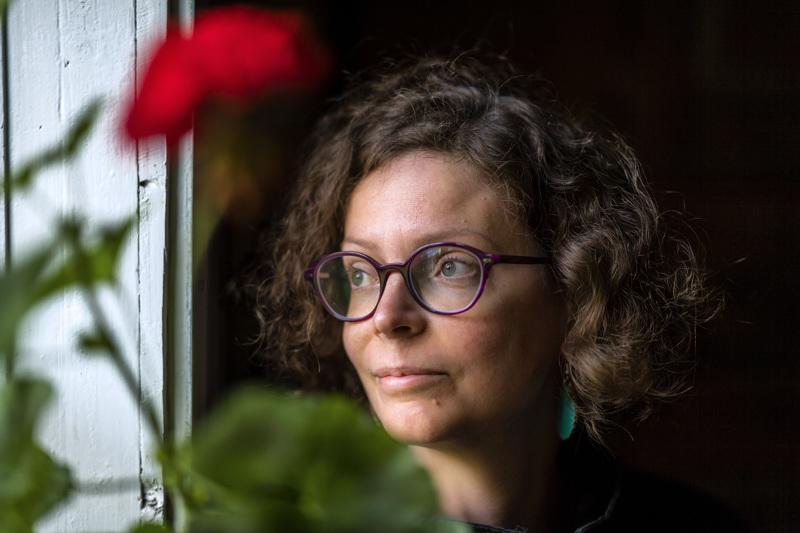 Anni Saaren kirja Kotiin julkaistaan heinäkuun alussa.