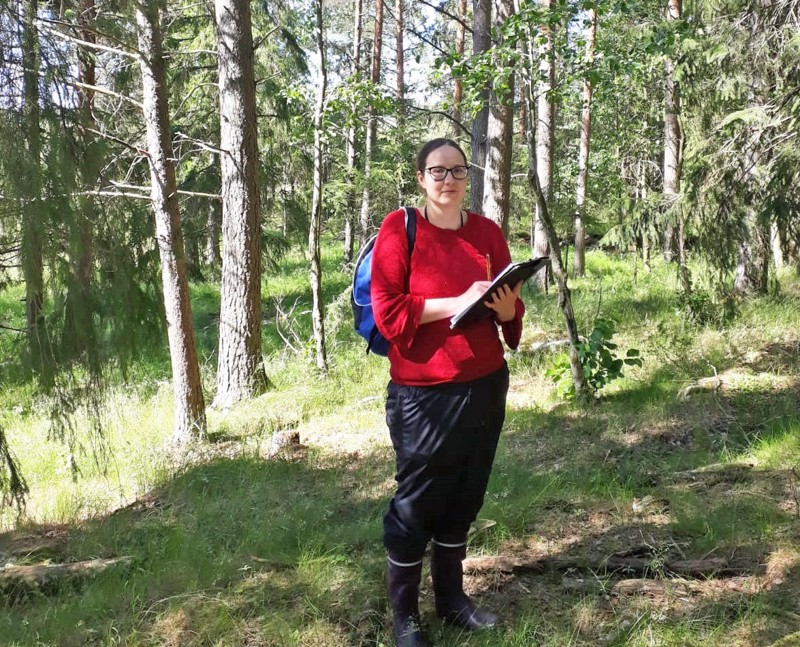 Perinnebiotooppien kartoittaja Marika Lax tulee Nivalaan heinä-elokuun vaihteessa.
