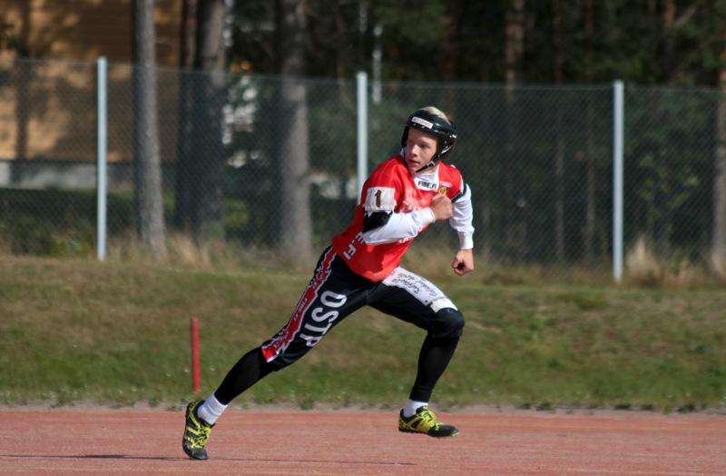 Kakkospalkittu Severi Tikkakoski toi ottelussa kaksi juoksua.