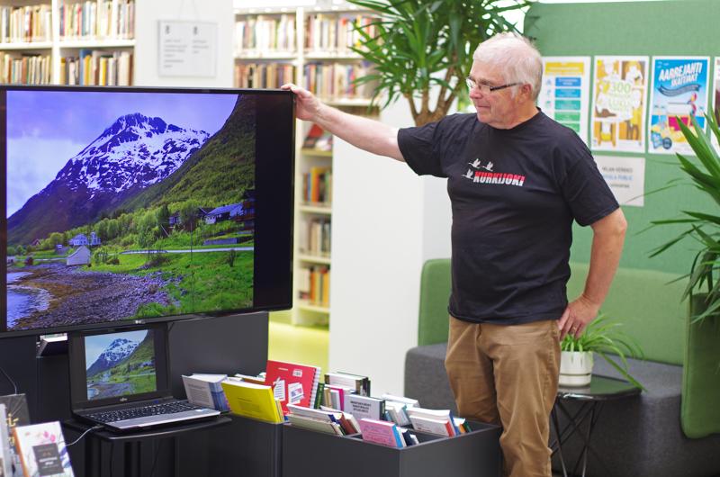 Reijo Jussilaisen kuvat Lofooteilta Pohjois-Norjasta ovat esillä Nivalan kirjaston lainaussalissa.