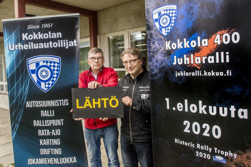 Kokkolan Urheiluautoilijoiden puheenjohtaja Anssi Räikkösen (vas.) ja Kokkolan 400-vuotisjuhlavuoden juhlarallin kilpailunjohtaja Jyrki Lampelan mukaan yhteistyö kisajärjestelyissä on kulkenut kaupungin kanssa erinomaisesti.