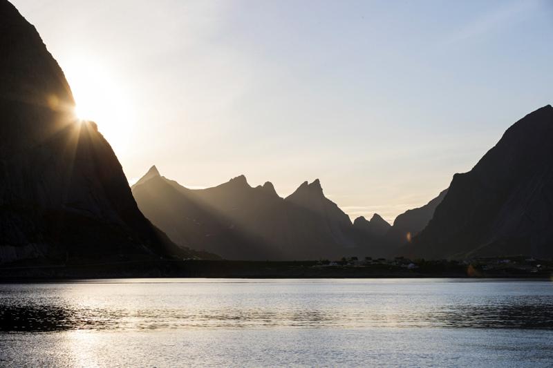 Norjan Lofooteilla sukeltamassa ollut suomalainen mies kuoli keskiviikkona.