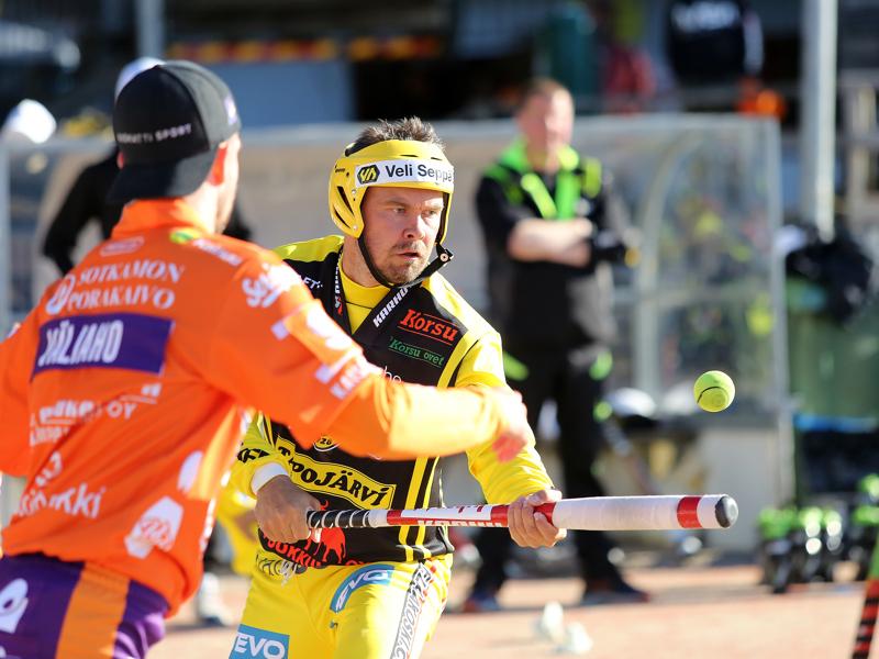Täksi kaudeksi Pattijoen Urheilijoihin palannut Sami Haapakoski sai perjantaina täyteen 1000 tuotua juoksua Superpesiksen runkosarjassa.