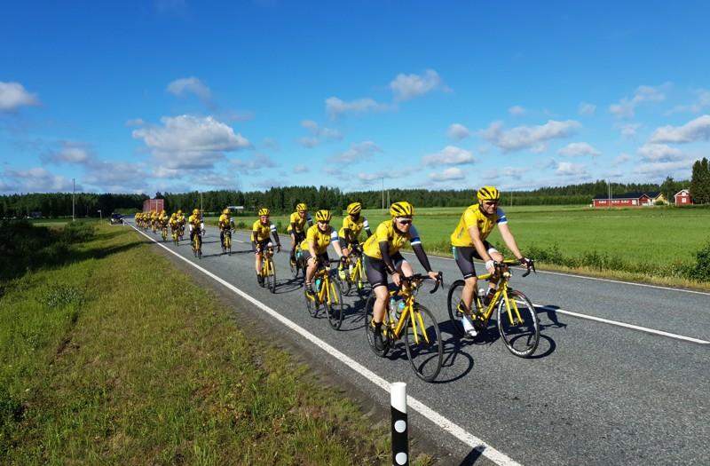 Team Rynkebyn pohjalaiset ajajat kiertävät parhaillaan Kurikan ja Lapuan kautta kohti Kokkolaa lauantai-iltapäiväksi.