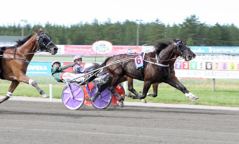 Hannu Torvisen ajama Com Milton oli Nikulan päälähdön nopein.