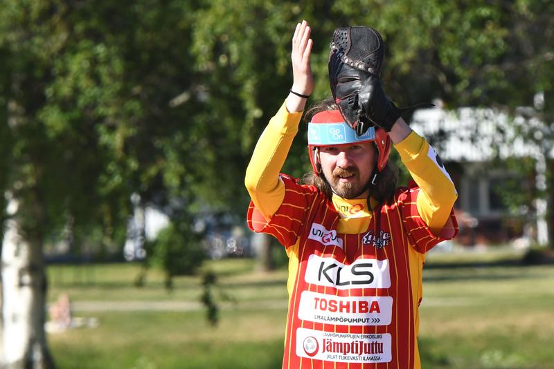 Kuulan parhaimmistoa tällä kaudella niin sisä- kuin ulkopelissä ollut Juho Haapakoski oli sunnuntaina pelipäällä. Mies touhusi mailan varressa täydellisellä 9/9 onnistumisprosentilla. Lyötyjä juoksuja Haapakoskelle kertyi ottelussa kolme ja tuotuja yksi.
