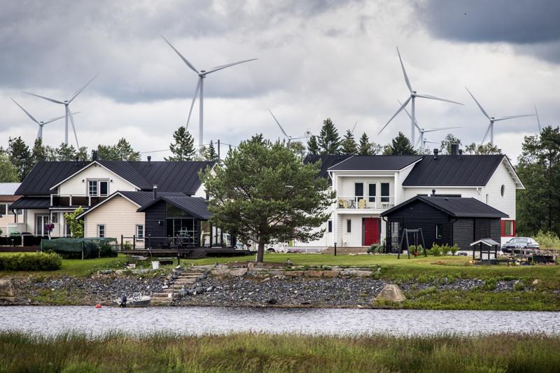 Rakentaa vai eikö rakentaa tuulivoimaa? Kalajoen vastaus on kyllä tuulivoimalle - paikkakunnalla on 64 tuulivoimalaa.