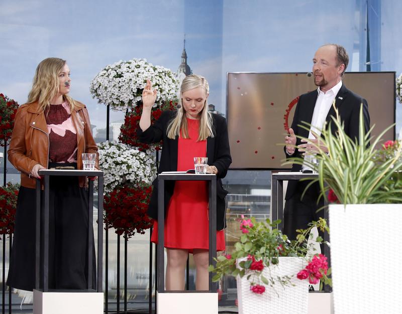 Katri Kulmuni (kesk.), Maria Ohisalo (vihr.) ja Jussi Halla-aho (ps.) osallistuivat viime vuonna Suomi-Areenan puheenjohtajatenttiin paikan päällä Porissa. Katri Kulmuni oli silloin keskustan 1. varapuheenjohtaja.