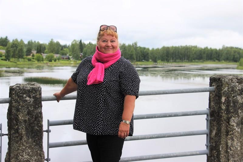 Savosta kotoisin oleva Seija Järnfors aloittaa elokuussa Reisjärven uutena hallintosihteerinä.