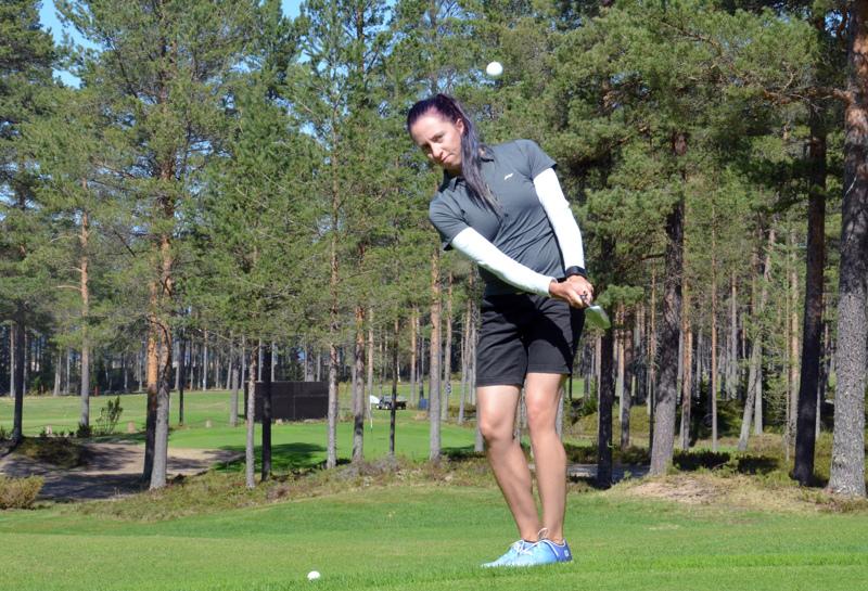 Niina Liias edustaa jatkossa keravalaista Golf Talmaa.