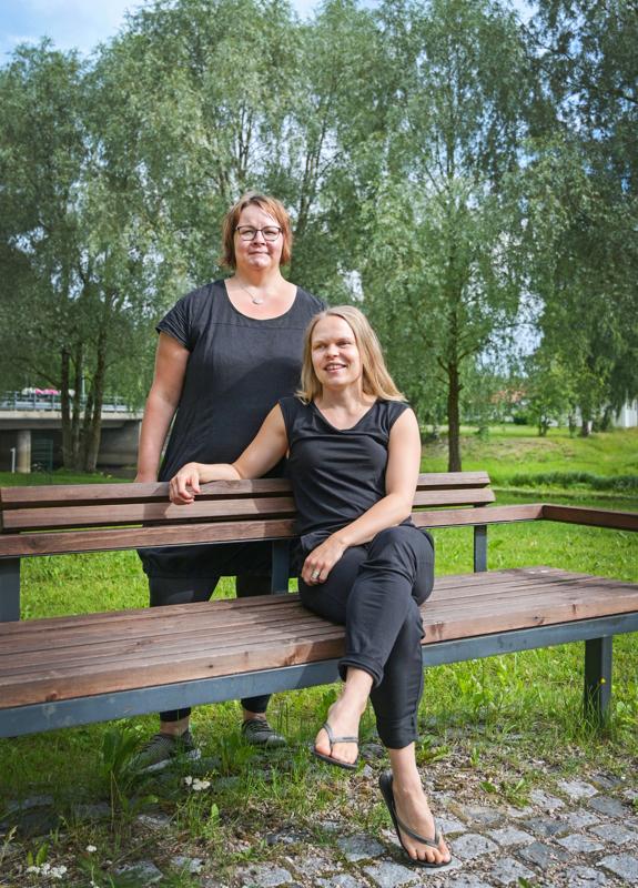 Janika Maunula (vas.) ja Suvi Ainasoja ovat yhtä mieltä suosioon nousseista ruokavalioista. Moni aloittaa dieetin innostuneena ja hypettää karisseita kiloja, mutta syömistavan negatiiviset puolet jäävät huomiotta.