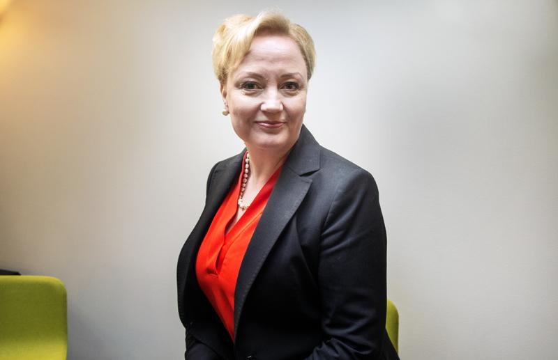 Europarlamentaarikko Elsi Katainen.