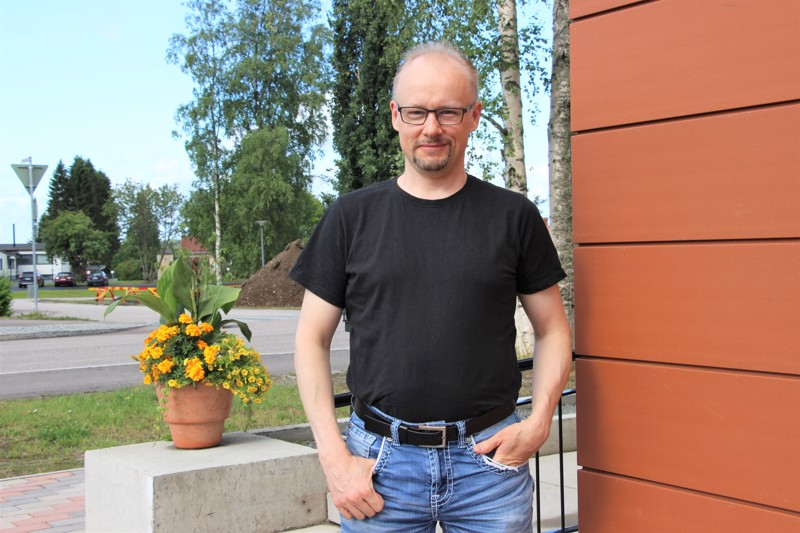 Tapio Lappalainen on musiikin monimies: hän säveltää, esiintyy ja opettaa. Säveltäminen on Lappalaiselle yksi ylitse muiden.