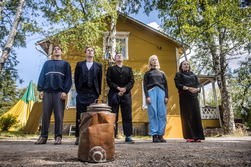 Yxpila–Hammerfest-näytelmä veti katsomot täyteen Ykspihlajan kulttuuriviikon aikaan.