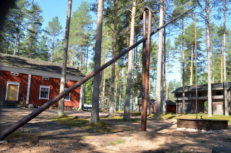 Komea siitä tuli. Vinttikaivo komeilee nyt Lestijärven museon pihamaalla.