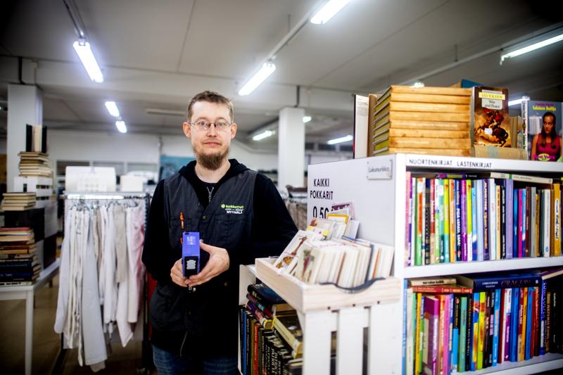 Lohtajalainen Tuomo Ojala on työskennellyt maaliskuusta asti Kokkotyö-säätiön kautta, ensin Ekocenterillä, sitten Kokoon Shop & Cafessa.